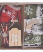 6x houten kersthangers kerstornamenten winter thema rood wit en groen wit 6 cm